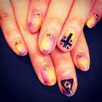 ワンポイントでクロスとUNIFのロゴ♡ #ハンド #タイダイ #ジェル #motchan_228 #ネイルブック