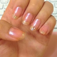 うすピンクラメにゴールドでフレンチ。 薬指にはワンポイントを。 #デート #フレンチ #ピンク #マニキュア #セルフネイル #miduki1012 #ネイルブック