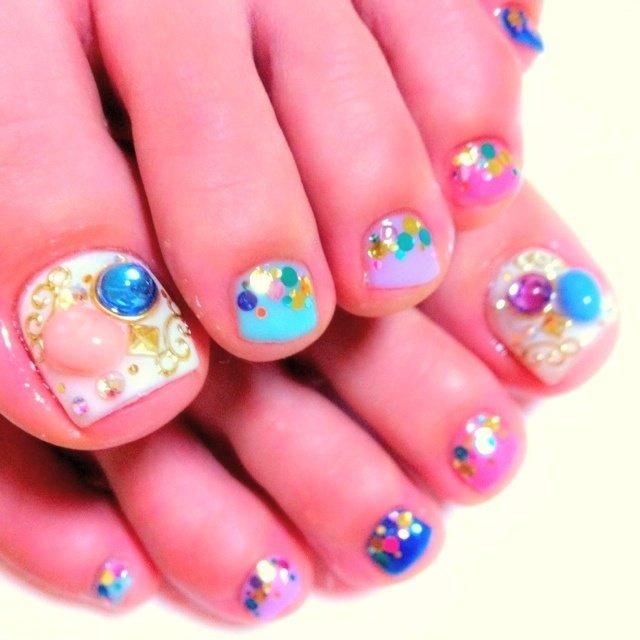 夏っぽくカラフル☆ #カラフル #ジェル #nail me! 天田千鶴子 #ネイルブック