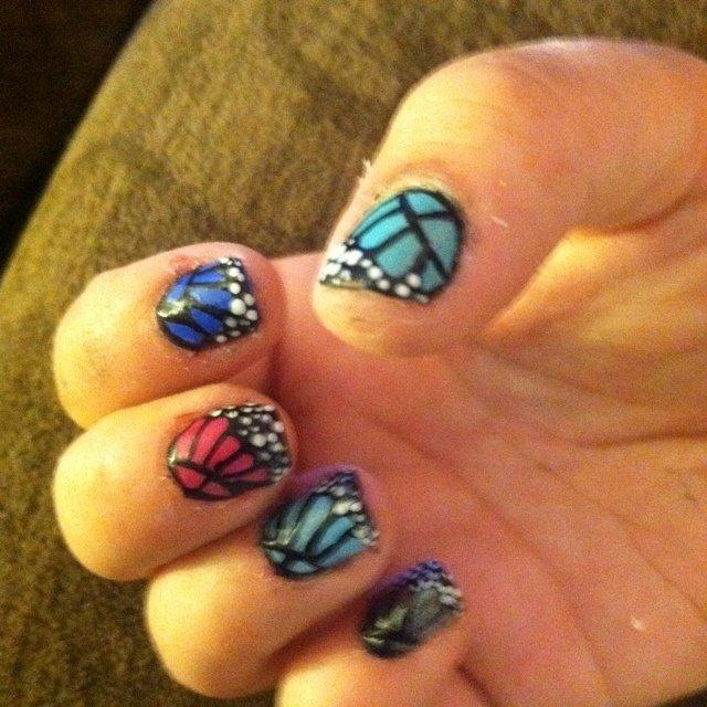Monarch butterfly #ハンド #アニマル柄 #カラフル #マニキュア #セルフネイル #Jenna Dotson #ネイルブック