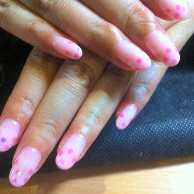 薄いピンクのカラグラ+ホロ #Ohno Nao #ネイルブック