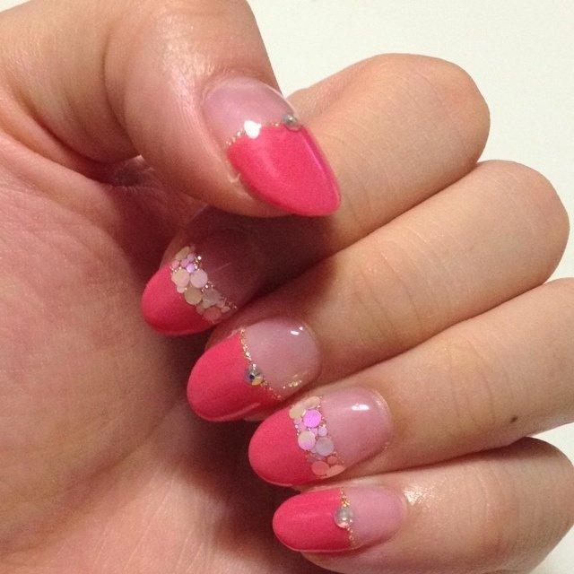 夏なのでテンションの上がるピンクに♡真っ直ぐフレン+ホロのお気に入りデザイン♪ #夏 #ハンド #ホログラム #ピンク #ジェル #norinqo #ネイルブック