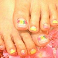 押し花ネイルですᵅั◡-ॢ)✧˖° ♡ #夏 #フット #フラワー #ピンク #ジェル #お客様 #CAROLINA エリカ #ネイルブック