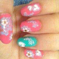 左手。 #春 #フラワー #ピンク #マニキュア #セルフネイル #avkmn #ネイルブック