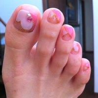ペディ♡ 以前見た可愛いネイルと同じにしてもらいました♬ #ハート #ピンク #nats_u3 #ネイルブック
