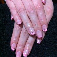 ピンクの水玉⭐やっぱりキュートですなʕ•̫͡•ʔ❤ʕ•̫͡•ʔ #Oshima Maiko #ネイルブック