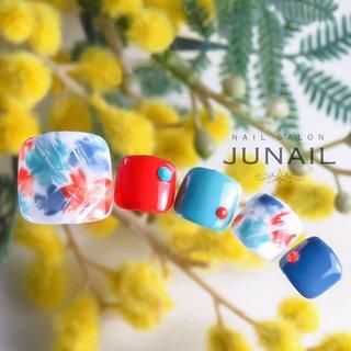 カラフルフットネイル☆ #春 #夏 #オールシーズン #フット #フラワー #カラフル #ジェル #ネイルチップ #june #ネイルブック