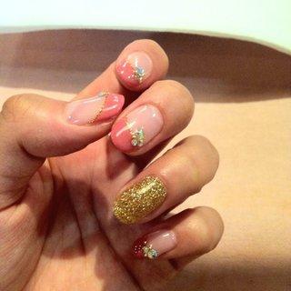 ピンクフレンチ☆ 薬指はポイントでゴールド♪ #ai19891025 #ネイルブック
