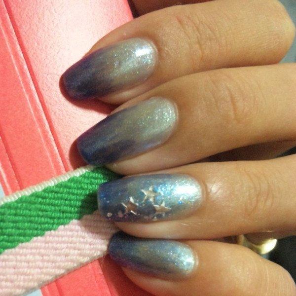 ポリッシュでブルーグラデ #temarisuama #ネイルブック