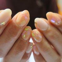 50代のお爪には見えない手❤︎ #卒業式 #オフィス #デート #グラデーション #ホログラム #クリア #ベージュ #オレンジ #ジェル #lovejewelry nail #ネイルブック