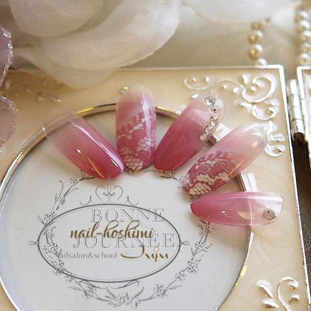 レースネイル #デート #春 #ピンク #ブライダル #ベージュ #レース #ジェルネイル #ミディアム #ハンド #チップ #MikaHoshikawa #ネイルブック