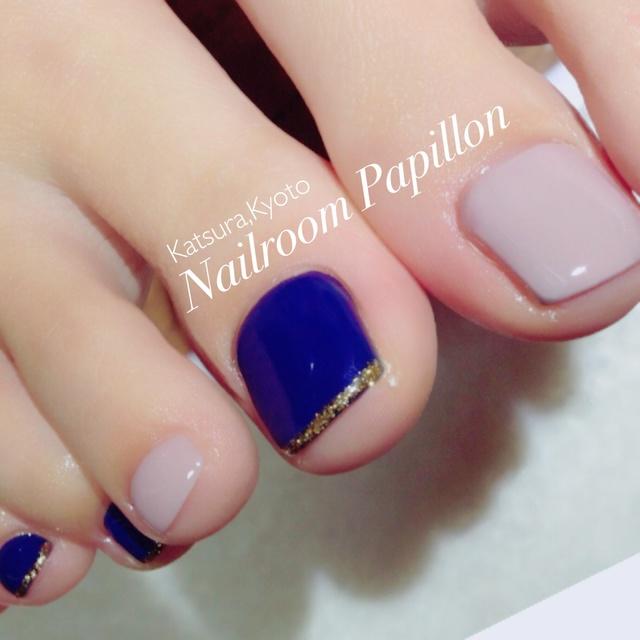 ワンカラー #グレージュ #ブルー #ベージュ #シンプル #ワンカラー #フット #オールシーズン #海 #ジェルネイル #お客様 #Nailroom Papillon #ネイルブック
