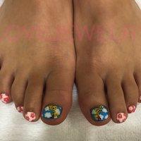Foot!!キリンさんnail!! #春 #海 #浴衣 #デート #フット #フラワー #アニマル柄 #ショート #ホワイト #ピンク #ブルー #ジェル #lovejewelry nail #ネイルブック