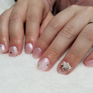 for Bridal 3D NAIL ART TIARA96 #ブライダル #パーティー #デート #女子会 #ハンド #シンプル #ワンカラー #フラワー #ショート #ピンク #ジェル #TAKANO SHIRAISHI #ネイルブック