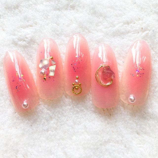 濃いピンクのおフェロネイル
