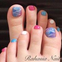 夏の海、空をイメージしたアートです♡ #フット #ワンカラー #タイダイ #ニュアンス #マリン #マーブル #ホワイト #ピンク #ブルー #ジェル #お客様 #rahasia #ネイルブック