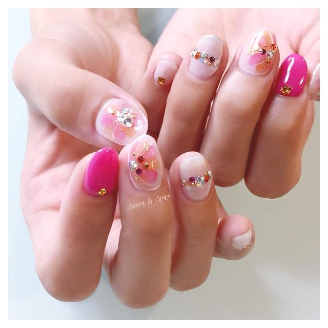 上品なフラワー #オレンジ #ピンク #ホワイト #シンプル #ビジュー #フラワー #ラメ #ハンド #オフィス #デート #パーティー #女子会 #ジェルネイル #お客様 #sugar_spice_k #ネイルブック