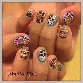 💀🌻🏜 . . #erikanail🐸  #nailart  #メキシカンネイル  #mexicannails  #派手ネイル  #ネイルアート #ハンド #エスニック #ボタニカル #ショート #グリーン #パステル #カラフル #ジェル #お客様 #Temptation nail studio by ERIKA #ネイルブック