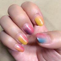 夏カラーの縦グラデーション それぞれ色の組み合わせを変えてみました #春 #ハンド #グラデーション #ピンク #オレンジ #イエロー #ジェル #セルフネイル #ecco #ネイルブック