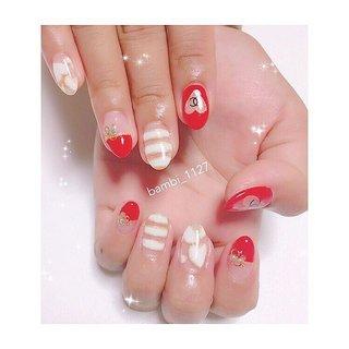 久々にザ!ネイル!って感じのデザイン(わかるかな😊)なんていうかネイルサロンのサンプルにあるような…定額ネイル!!とかにあるような…💅💓💓 . 人差し指の♡くり抜きは爪の白い部分が見えるのが嫌だというリクエストで少し下めに作りました( ´͈ ᵕ `͈ ) . . #赤ネイル#chanelネイル #くり抜きネイル #ハートネイル#ボーダーネイル#クリアネイル#フレンチネイル#シャネルネイル#ブランド柄ネイル#トレンドネイル#大人女子ネイル#nail#red#chanel #nailstagram #instagood #l4l#like4like #gifu#岐阜#岐阜ネイル#各務原#各務原ネイル#関市#関市ネイル#岐阜ネイルサロン#美濃市 #秋 #オールシーズン #デート #女子会 #イニシャル #くりぬき #ブランド柄 #ボーダー #クリア #レッド #bambi_1127 #ネイルブック