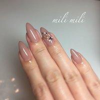 . 新色#301ハダージュ ♥♥♥ ずっと自分にも使いたかったカラー! 少しこっくり塗りすぎてしまいました(´•ω•̥`) が、とっても綺麗でドツボなお色ー! もう少し薄塗りにするともっと綺麗ですよ♥ #nail#nails#nailart#instanails#instanail#nailstagram#maogel#simplenails#onecolornail#officenails#ネイル#マオジェル#maogel導入サロン#maogel導入サロン鹿児島#ワンカラーネイル#シンプルネイル#オフィスネイル#ヌーディーネイル#大人ネイル#大人可愛いネイル#上品ネイル#色気爪#鹿児島#鹿屋#都城#志布志#志布志ネイル#志布志脱毛#milimili #オールシーズン #オフィス #ブライダル #パーティー #ハンド #シンプル #ワンカラー #ビジュー #ミディアム #ベージュ #ジェル #お客様 #milimili #ネイルブック