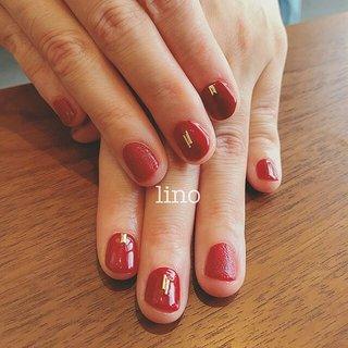 レザー人気です♡  lino nail studio #秋 #冬 #パーティー #ハンド #シンプル #ワンカラー #レザー #ショート #レッド #ゴールド #ジェル #お客様 #lino_nail_lino #ネイルブック