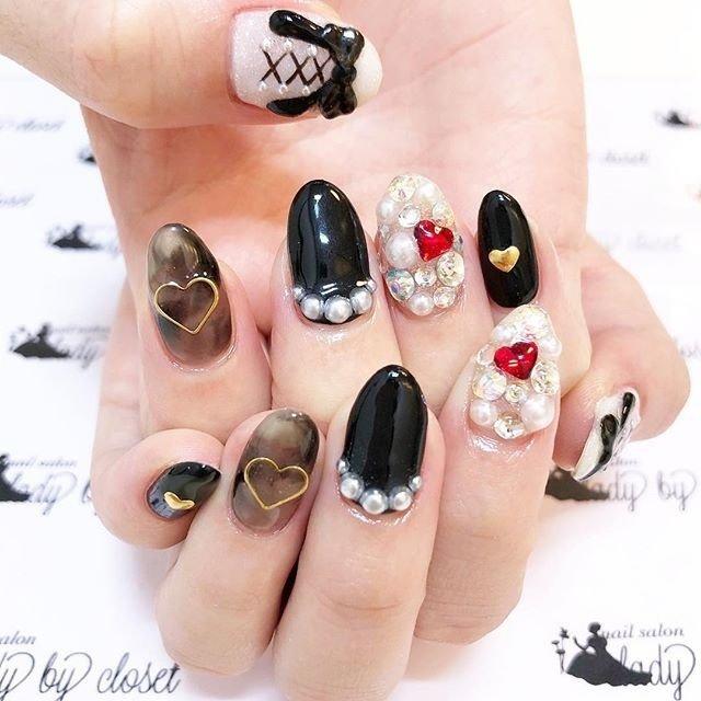 12月の空き状況更新しました💕 プロフィールのURLから飛べます👼 ※定額ネイルは一時お休みさせて頂きます🙇よろしくお願い致します。  #ladybycloset #nail #nails #nailart #nailstagram #instanail #かわいい #冬 #冬ネイル #winternails #冬ネイルデザイン #原宿 #原宿ネイル #ネイル #ネイルデザイン #美爪 #美甲 #明治神宮前 #ネイルアート #gel #gelnail #ジェル #ジェルネイル #ネイルパーツ #3D #埋め尽くし #ブラック #マーブルネイル #パールネイル #オールシーズン #クリスマス #デート #女子会 #ハンド #3D #デコ #ミディアム #ホワイト #ブラック #ジェル #お客様 #ladybycloset #ネイルブック