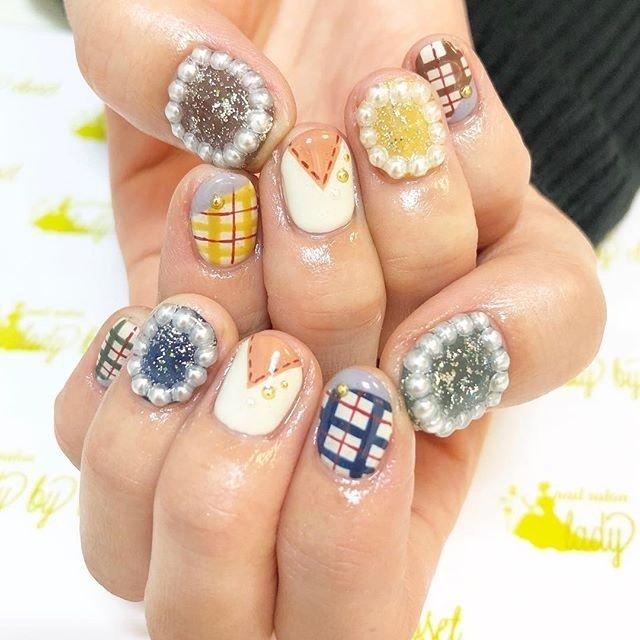 最近パール囲みとっても人気💓 可愛い系もニュアンスも合います🙆🙆❤️ #ladybycloset #nail #nails #nailart #nailstagram #instanail #かわいい #冬 #冬ネイル #winternails #冬ネイルデザイン #原宿 #原宿ネイル #ネイル #ネイルデザイン #美爪 #美甲 #明治神宮前 #ネイルアート #gel #gelnail #ジェル #ジェルネイル #ネイルパーツ #ショートネイル #チェックネイル #美容師ネイル #秋 #オールシーズン #パーティー #デート #ハンド #ラメ #ワンカラー #チェック #パール #ショート #イエロー #グリーン #ネイビー #ジェル #お客様 #ladybycloset #ネイルブック