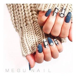 swipe☝︎〃➩ ➪ ☞ .  #coffinnails#nailart#nail#nails#nailsalon#gelnail#autumnnails#gray#hand#art#fashion#네일아트#젤네일#패션#ネイルサロン#ネイル#ネイルアート#美甲#ジェルネイル#秋ネイル#冬ネイル#ベージュネイル#ニュアンスネイル#シンプルネイル#チェックネイル#大人ネイル#グレー#ネイビーグレー#グレージュ #冬 #オールシーズン #オフィス #女子会 #ハンド #ワンカラー #チェック #千鳥柄 #ツイード #ミディアム #ベージュ #グレージュ #グレー #ジェル #お客様 #megunail𓂯 #ネイルブック