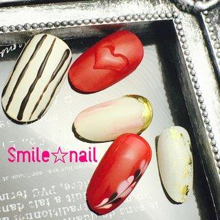 大田原定額ネイルサロン Smile☆nailです(*^^*) ホワイトチョコをイメージした#バレンタインネイル  ☆,。・:*:・゚'☆,。・:*:・゚'☆,。・:*:・゚' #smilenail #スマイルネイル #大田原市ネイルサロン #大田原ネイルサロン #定額ネイル #お家サロン #ネイルサロン #ジェルネイル #セルフネイル #ネイルアート #ネイリスト #個性派ネイル #派手カワネイル #美爪 #ネイルチップ #オーダーチップ #ミンネ #minne #チョコレートネイル #マットネイル #ハートネイル #ミンネで販売中  ☆,。・:*:・゚'☆,。・:*:・゚'☆,。・:*:・゚' HPはプロフィールのURLから☆ ☆,。・:*:・゚'☆,。・:*:・゚'☆,。・:*:・゚' フリルでピアス ミンネでネイルチップを販売してます ٩( ᐛ )و  Smile☆nail https://minne.com/5116ykr - ハンドメイドマーケットminne(ミンネ) Smile☆bijou フリマアプリ FRIL https://fril.jp/shop/Smile_bijou   #バレンタイン #デート #女子会 #ハンド #変形フレンチ #ハート #スイーツ #ホイル #ミディアム #ホワイト #レッド #ゴールド #ジェル #ネイルチップ #Smile☆nail #ネイルブック