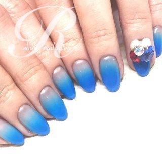 恵比寿NAILSALON『R』☆*:.。. ・ 誰がなんと言おうと… 『思いっきりのブルーにしたいんですっ‼︎』との事 (((*≧艸≦)ププッ 潔しっ☆*:.。. ・ #ABGEL #トレプロ1 #DOUBLE180DX ・ ・ #恵比寿#NAILSALONR#ネイルサロンR#ネイルサロンアール#ネイル#ネイルサロン#恵比寿ネイルサロン#恵比寿ネイル#nail#nailsalon#大人ネイル#大人女子#大人可愛い#コンサバネイル#素敵女子#女子会#デート #ABGEL#ABジェル#ABconcierge#ABコンシェルジュ#ABexperience#ABエクスペリエンス#エアブラシ#airbrush#ブルーネイル#トレプロ#ビジューネイル#ハンド #ジェルネイル #お客様 #オールシーズン #ビジュー #ブルー #3d #夏 #オールシーズン #海 #リゾート #ハンド #グラデーション #ビジュー #3D #国旗 #ミディアム #レッド #ブルー #ビビッド #ジェル #お客様 #ebisu_nailsalon_r #ネイルブック