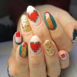 グッチネイル最近多いです(^ ^)#グッチネイル #春 #入学式 #旅行 #リゾート #ハンド #ハート #アンティーク #ロック #ショート #レッド #グリーン #ブルー #ジェル #お客様 #lovejewelry nail #ネイルブック