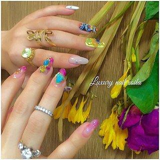 . . -Luxury nail coordinate- . Style 1 . . menu & price ..ご予約はプロフィールのリンクからどうぞ💁🏼♀️💅🏻✨ . . . nailist→ @nailist_maki . . .  #naily  #nailart #nails #naildesing #nailsalon #gelnail #fashion #gelnails #japanesenail #nuancenail #ネイル #ニュアンスネイル #ネイルアート #個性派ネイル #ジェルネイル #トレンドネイル #fashion  #美甲 #네일 #小岩ネイルサロン  #大人ネイル #素材ネイル #抜け感ネイル #お任せネイル #ミラーネイル #春ネイル #美爪 #天然石ネイル #bohostyle  #ネイリスト #春 #夏 #旅行 #リゾート #ハンド #シェル #エスニック #ジオメトリック #ステンドグラス #大理石 #ミラー #ロング #ピンク #イエロー #ジェル #お客様 #Nailist maki #ネイルブック