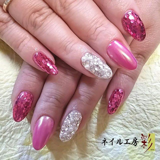 ピンクのホログラム&ピンクプラスミラーオーロラ&ラメにストーン‼ #パーティー #デート #バレンタイン #ハンド #ホログラム #ラメ #ビジュー #ロング #ピンク #シルバー #ビビット #ジェルネイル #ネイル工房彩♥ひとみ #ネイルブック
