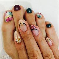 Foot * 花柄、ボルドー、モスグリーン Hand * フレンチ、ツイード、ミラーネイル #フレンチ #フラワー #ツイード #ボルドー #ジェル #sg17 #ネイルブック