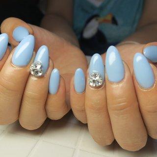 #ワンカラー #ブルーネイル #水色 #水色ネイル #スワロフスキー #夏ネイル #夏 #夏 #リゾート #浴衣 #デート #ハンド #ワンカラー #ミディアム #ターコイズ #水色 #ブルー #ジェル #お客様 #lovejewelry nail #ネイルブック
