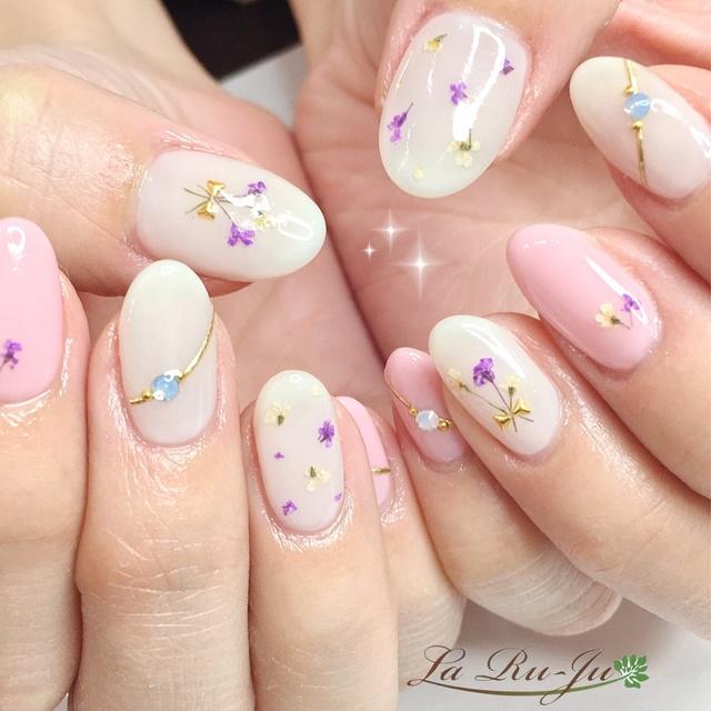 ドライフラワー×ピンク #ドライフラワー #オフィス #女子会 #春 #ピンク #ジェルネイル #お客様 #ミディアム #ハンド #LaRu-Ju #ネイルブック
