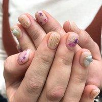 春のオススメネイル #春 #オフィス #デート #女子会 #ハンド #ワンカラー #押し花 #ショート #ピンク #ジェル #お客様 #Eri Tanaka #ネイルブック