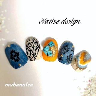 mahanaleaデニム ネイティヴフェザーデザイン💓 色変えもちろんOKアートし放題コースでどうぞ💁🏽 #夏 #オールシーズン #海 #リゾート #ハンド #ピーコック #エスニック #デニム #トロピカル #ノルディック #ミディアム #ベージュ #オレンジ #ネイビー #ジェル #MahanaleaNails #ネイルブック