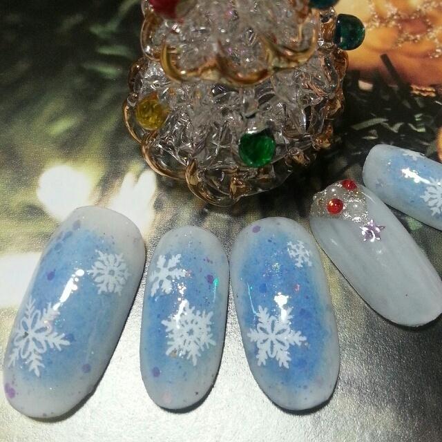雪の結晶&ツリー #シルバー #ブルー #ホワイト #ハンド #デート #パーティー #冬 #クリスマス #ジェルネイル #ネイルチップ #NailSalonPrincessFlower #ネイルブック