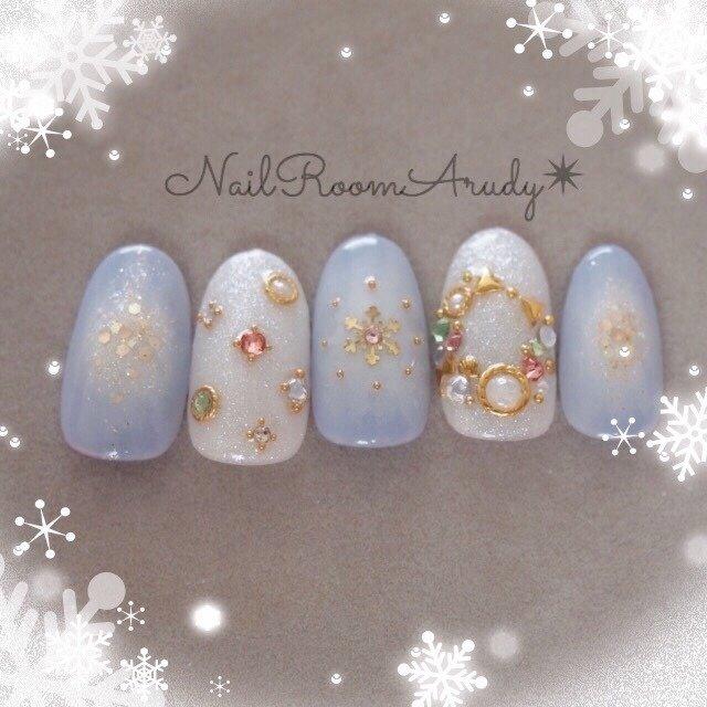 リースネイル* #冬 #クリスマス #オフィス #デート #ハンド #ワンカラー #チーク #雪の結晶 #リボン #ホワイト #ブルー #ジェル #ネイルチップ #NailRoomArudy #ネイルブック