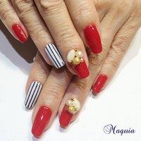 赤ネイルにパーツでさらに可愛さを💓 #maquia #ネイルブック