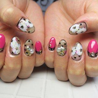 #フラワー #ジェルネイル #海 #カラフル #ピンク #ピンクネイル #夏 #夏ネイル #夏 #浴衣 #パーティー #デート #ハンド #変形フレンチ #フラワー #ストライプ #ボーダー #ミディアム #ピンク #ブラック #ジェル #お客様 #lovejewelry nail #ネイルブック