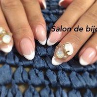 バーチャルフレンチ♪ お爪が小さい方も、ベージュをベースに塗って、きれいにできます♪ #オールシーズン #入学式 #オフィス #デート #ハンド #ビジュー #ロング #ホワイト #ベージュ #ジェル #お客様 #salon_de_bijoux #ネイルブック