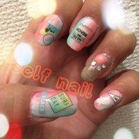右手のnail♥(ˆ⌣ˆԅ) #夏 #海 #ハンド #グラデーション #トロピカル #ミディアム #カラフル #ジェル #セルフネイル #pinky73 #ネイルブック