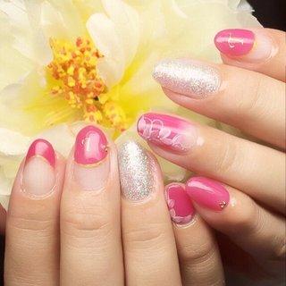 ピンクネイル #オールシーズン #バレンタイン #パーティー #ハンド #変形フレンチ #グラデーション #フラワー #イニシャル #ミディアム #クリア #ピンク #シルバー #ジェル #お客様 #SJP.nail #ネイルブック