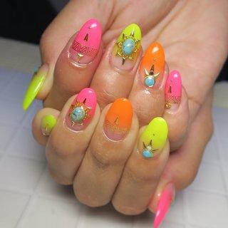 #ネオンカラー #ターコイズ #夏 #海 #リゾート #浴衣 #ハンド #グラデーション #大理石 #ミディアム #ピンク #オレンジ #イエロー #ジェル #お客様 #lovejewelry nail #ネイルブック