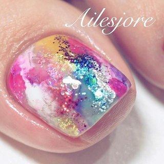 遠くから見るとただのハデハデカラーですが☝️ 近くで見るとラメ、カラー、ホイル、ホログラムなどバラバラの素材でカラフルにしております😍💪 ケアもバッチリでフォルムもいいっ💪 マニアック!!!🤩 * 本厚木ネイルサロン Ailesjoreエルジョワ *  #nails #Japannail #Japan #beauty #art #nailartist #Instanails #naildesign #gelnails #nailstagram #젤네일 #네일 #指甲彩繪 #凝膠指甲 #美甲 #本厚木 #本厚木ネイルサロン #町田 #渋沢 #エルジョワ #夏ネイル2018 #足元倶楽部 #人気ネイル #ネイルアート #tsubasa #💅🏼 #梅雨ネイル #派手ネイル #フットネイル #colorful #夏 #海 #リゾート #フット #ラメ #タイダイ #大理石 #ニュアンス #ホイル #カラフル #ビビッド #ジェル #お客様 #nailist_tsubasa #ネイルブック