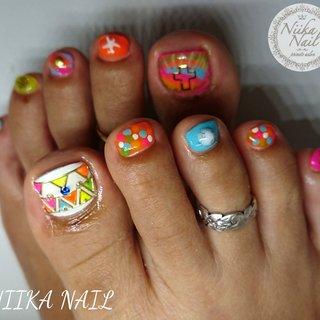 本日のお客様ネイル♡7/5 ネオンカラー×トライバル&ピーコック♪ #gel #gelnail #gelart #nail #nails #naildesign #nailart #nailartist #nailbook #footnails #pedicures #pedi #フットネイル #ペディキュア #peacocknails #neoncolornails #ネオンカラーネイル #トライバルネイル #ピーコックネイル #派手ネイル #格安ネイル #ジェル #ジェルネイル #美甲 #niika_nail #板橋区中台 #志村三丁目 #ツヤツヤ #キラキラ #可愛い #夏 #海 #リゾート #女子会 #フット #ピーコック #ネイティブ #ボヘミアン #エスニック #ショート #カラフル #ネオンカラー #ビビッド #ジェル #お客様 #Sa7e_Kurihara #ネイルブック