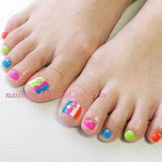 今年も来ました この季節 #グロウネイル ネオンカラーで目立ちます . . #nail#nailsalonDreamsComeTrue#design#art#naildesign#nailart#nailist#foot#footnail#care#beauty#classy#ネイル#大人ネイル#派手ネイル#ネイルデザイン#ネイルアート#デザイン#アート#ロングネイル#ロングスカルプ#スカルプ#longnail#あま市ネイルサロン#nails#nailstagram #夏 #旅行 #リゾート #パーティー #フット #変形フレンチ #ラメ #シェル #ストライプ #ショート #カラフル #ネオンカラー #ジェル #お客様 #chie75☆ #ネイルブック